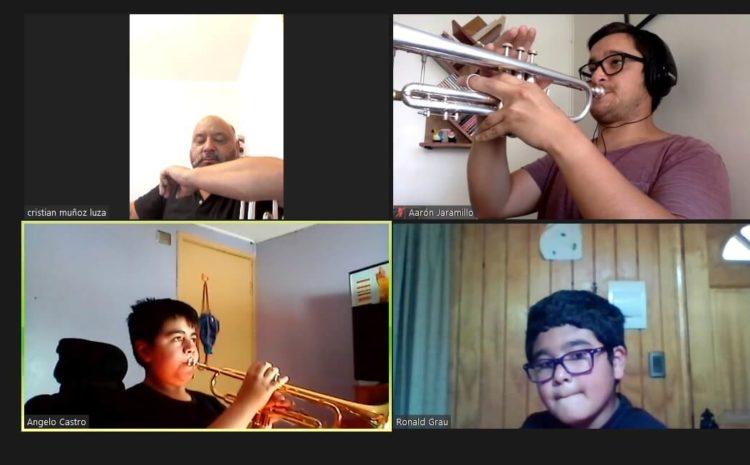 Campamento Mancera partió con homenajes y música en pantalla