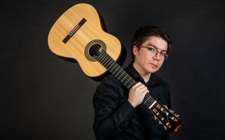Joven guitarrista entrega pistas para el manejo de la ansiedad en los músicos